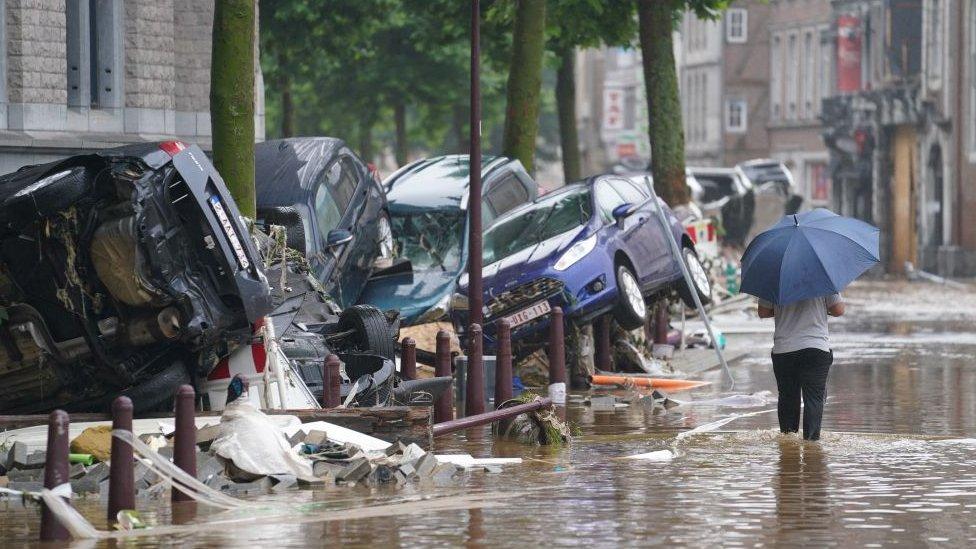 آثار الدمار الذي سببته الفيضانات في مدينة فيرفير البلجيكية