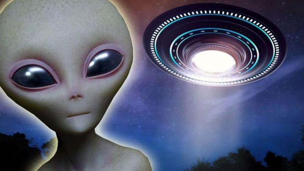 """يعتقد البعض أن """"المنطقة 51"""" بها بقايا سفن فضاء جاءت من خارج الأرض"""