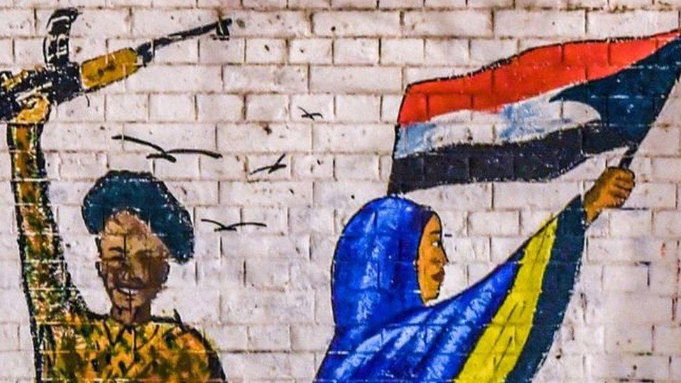सूडानः आज़ादी की आवाज़ बुलंद करती महिलाओं का सेना ने किया रेप