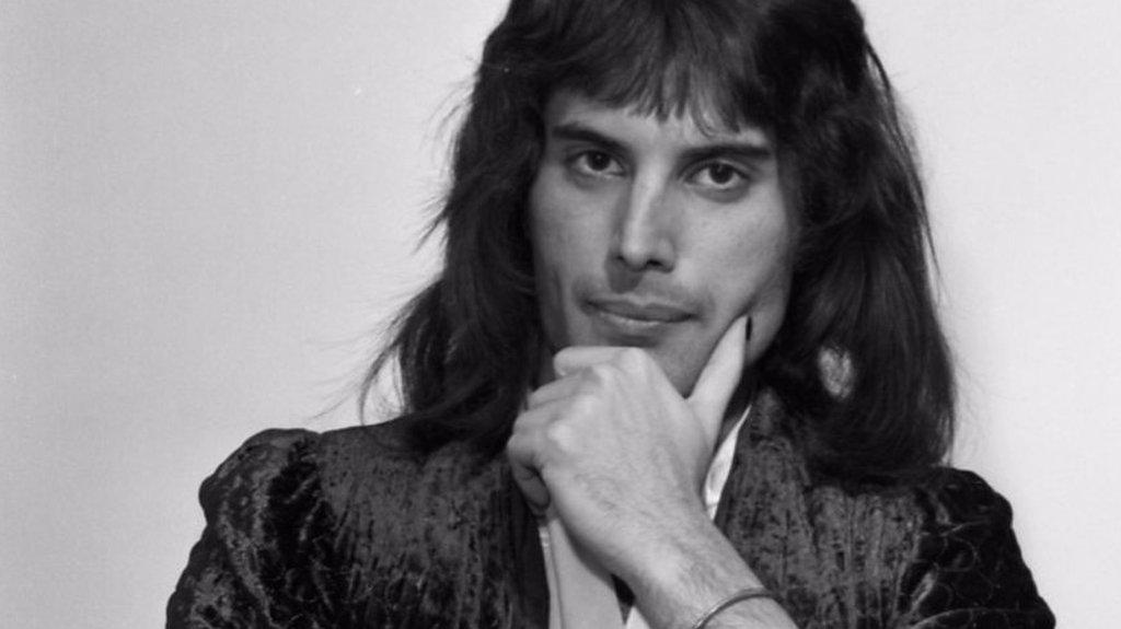 BBC News - Farrokh Bulsara: The Indian heritage of Freddie Mercury