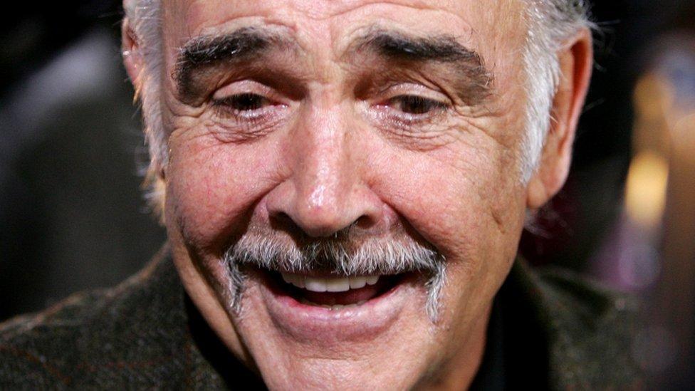 Sean Connery en la alfombra roja de la ceremonia de entrega de Premios del Cine Europeo en Berlín