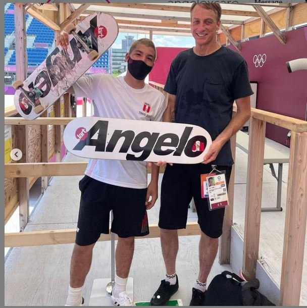 Angelo Caro y Tony Hawk