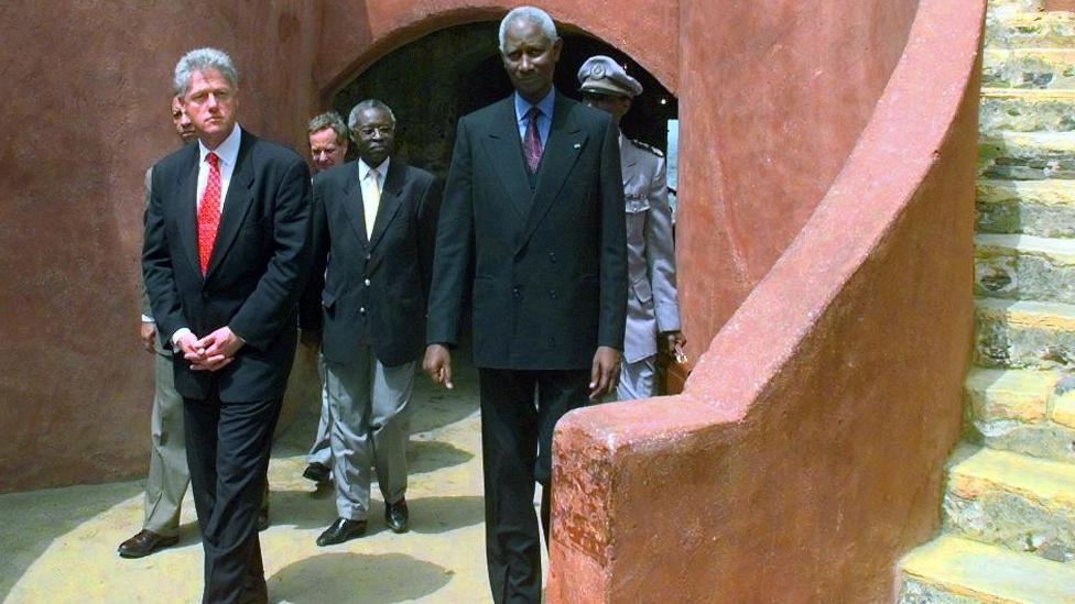 President Clinton en Senegal en 1998.