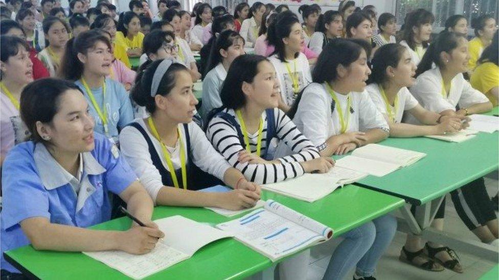 Uygur kız çocukları eğitim