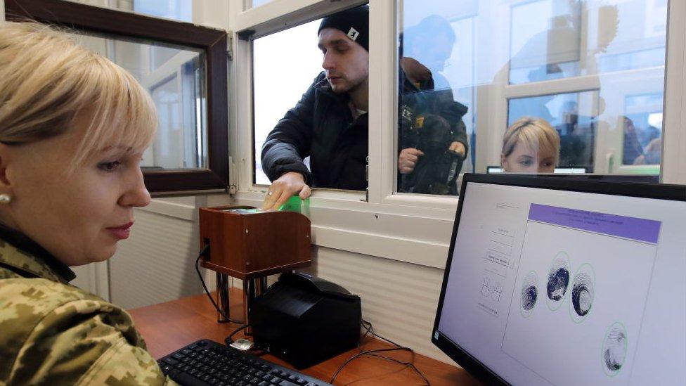Обмеження на кордоні: як росіянам тепер в'їжджати до України