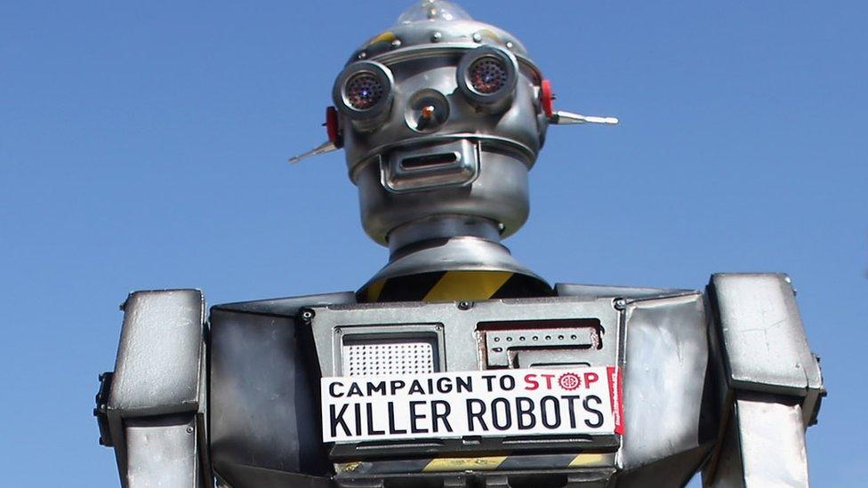 """campaña para una prohibición de los """"robots asesinos"""" en Londres, en 2013."""