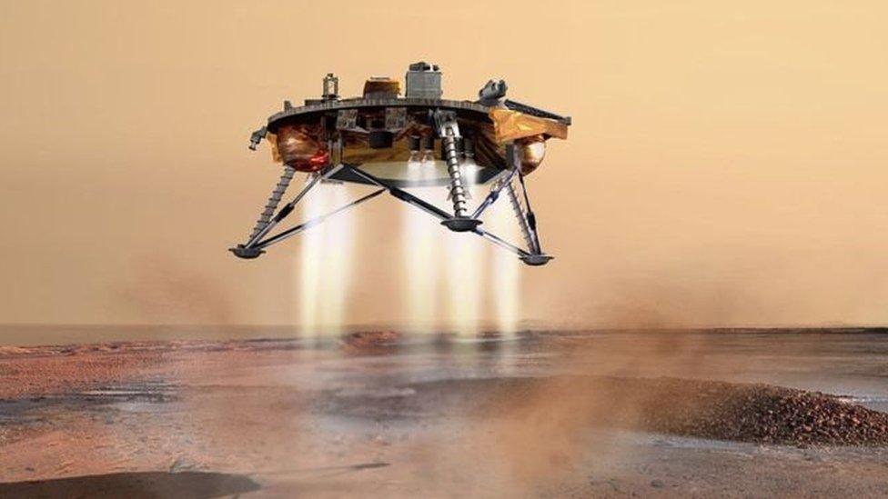 Ilustración de la sonda InSight próxima al aterrizaje
