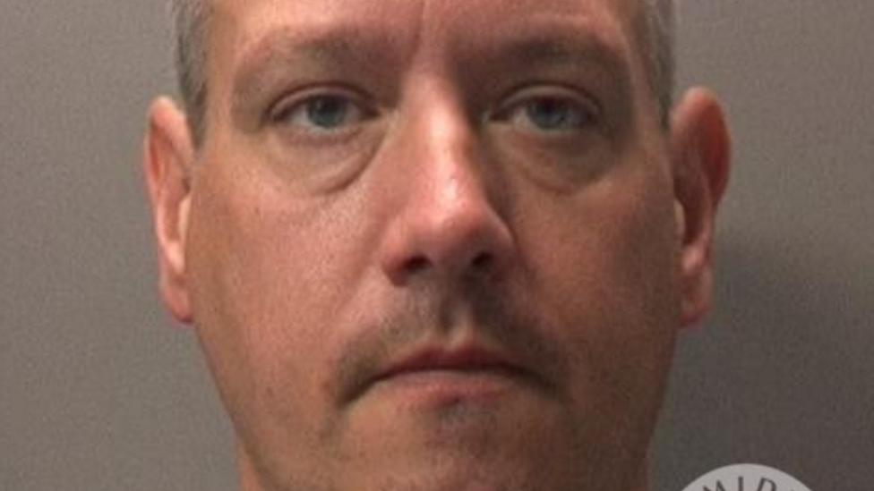 Indecent images police officer sentence 'too lenient'