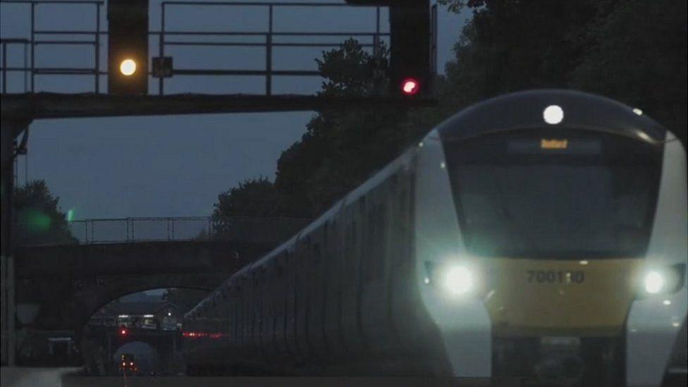 Tren al anochecer. NO USAR. BBC.