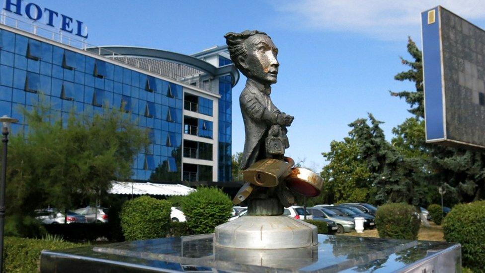 скульптура Гаррі Гудіні