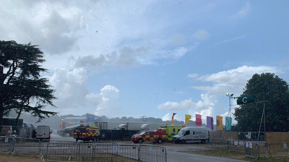 BBC News - Latitude Festival: Lightning brings music to a halt