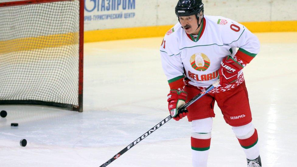 Оппозиция призвала не проводить чемпионат мира по хоккею в Беларуси. Но Лукашенко еще может его отстоять