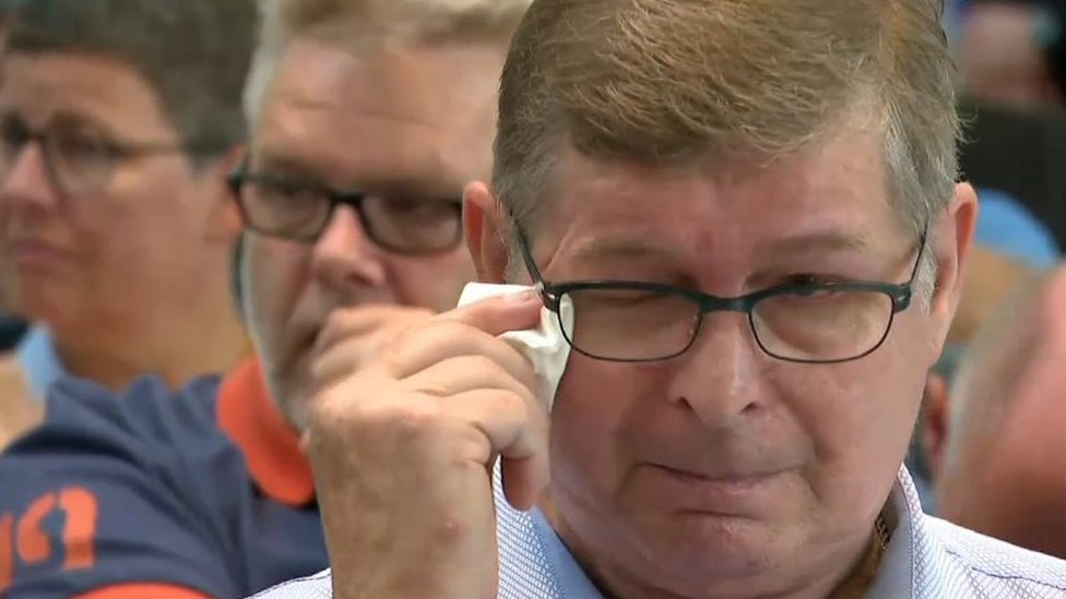 Kurbanlar Başbakan'ın açıklamalarını gözyaşlarıyla dinledi