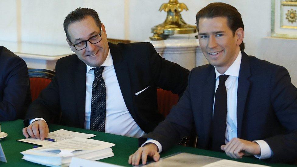 FPÖ leader Heinz-Christian Strache (L) with election winner Sebastian Kurz