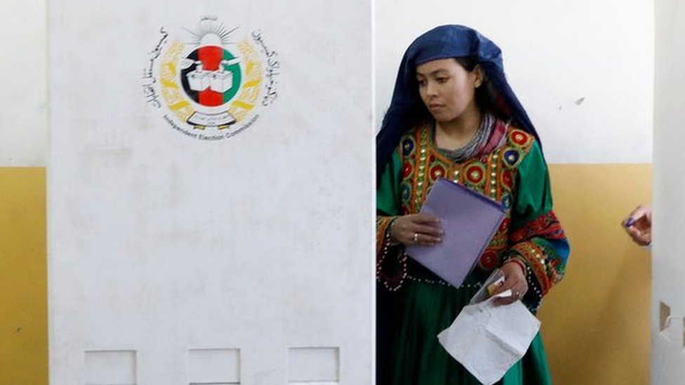 Afghanistan election: Polling to be extended amid delays