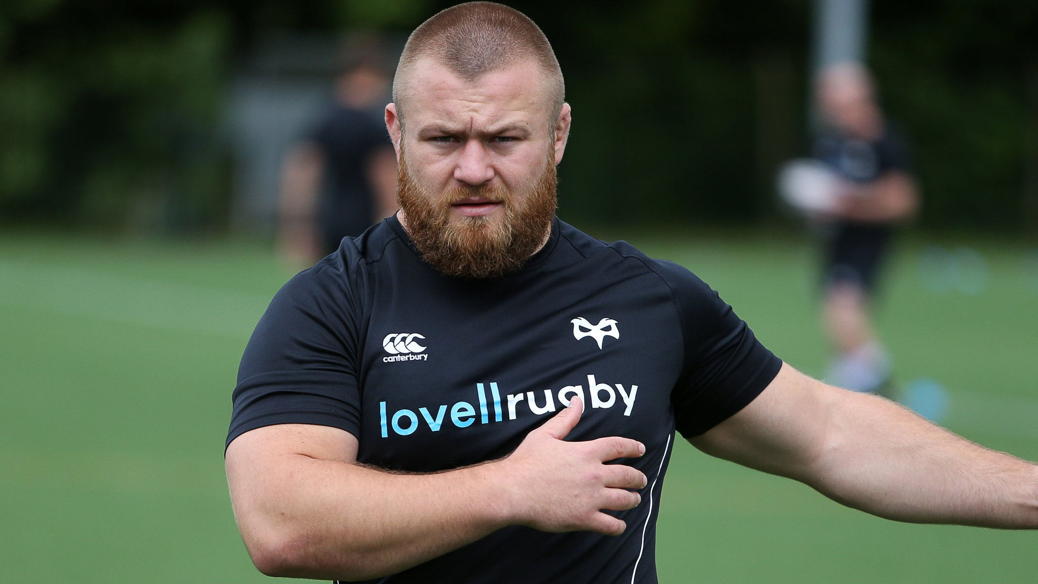 Cardiff Blues expect to complete signing of ex-Ospreys prop Dmitri Arhip