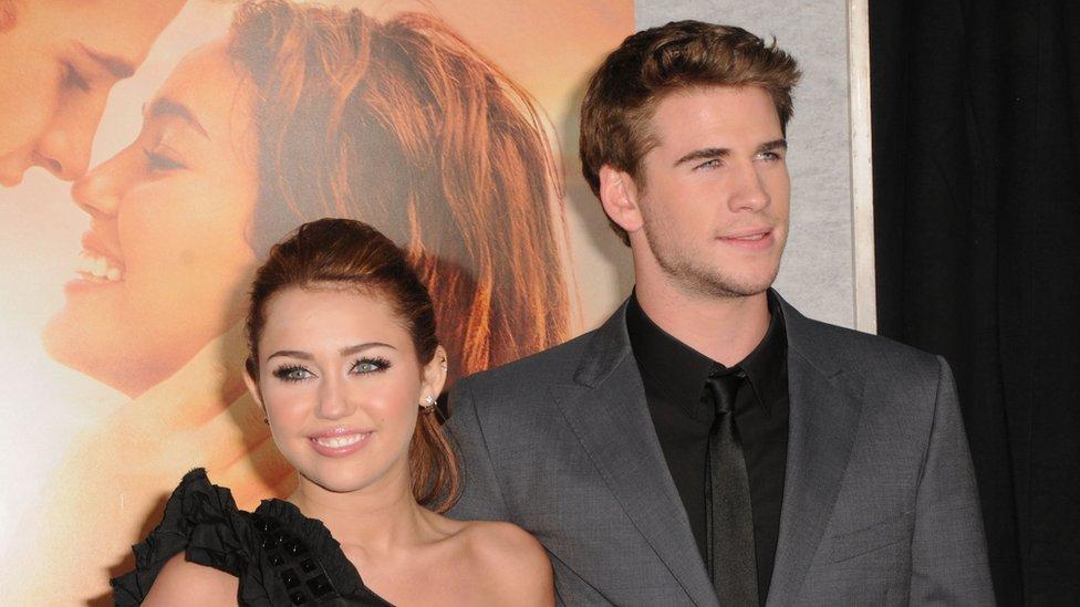 İkili, 2010 yılında çekilen Last Song (Son Şarkı) filminin ardından sevgili olmuştu