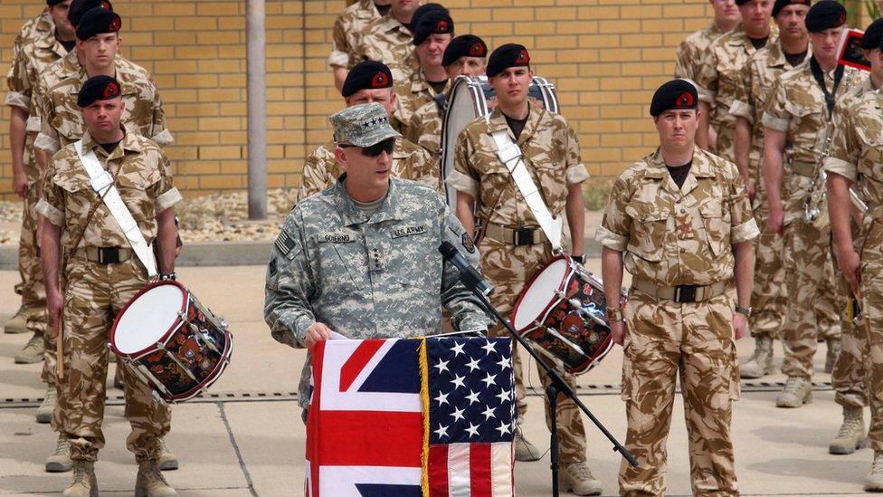 جنود بريطانيون في البصرة- أرشيف
