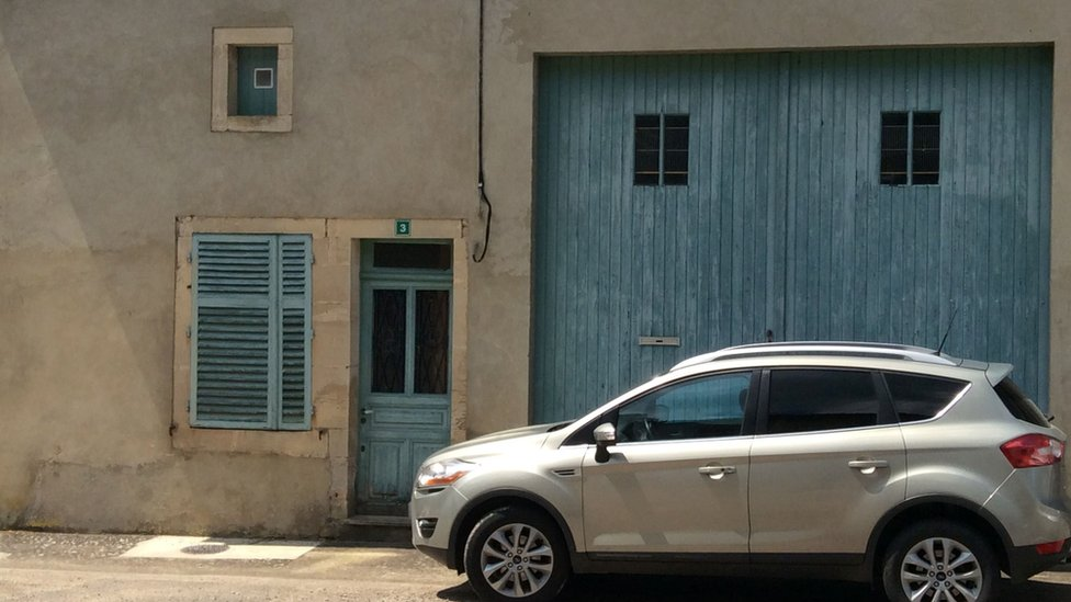 the house in Nant-le-Petit of a Frenchman arrested in Ukraine