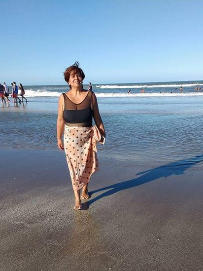 Olga Díaz, en la playa.