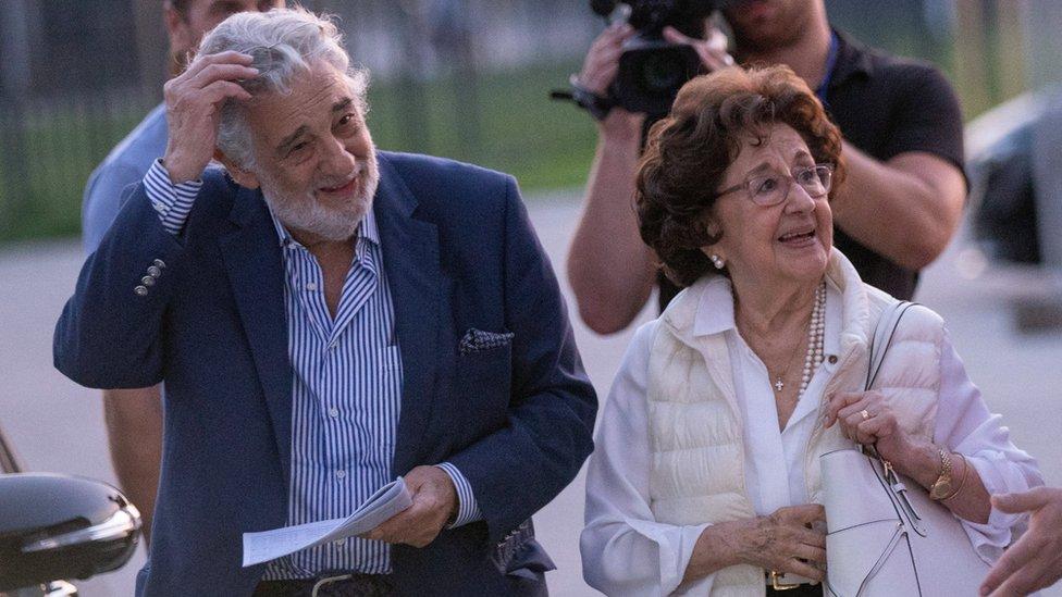 Domingo está casado desde 1962 con la soprano Marta Ornelas.