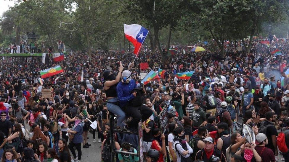 Manifestación en la Plaza Italia