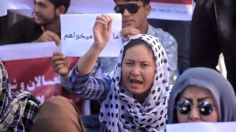 Roshan Ghaznawi in a public protest