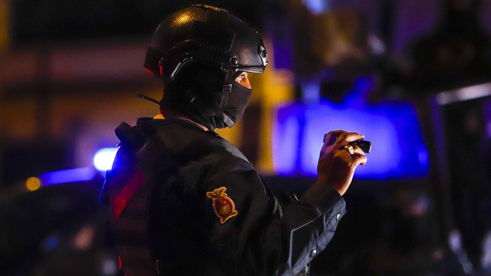 Policía mexicano en Sinaloa NO USAR / BBC