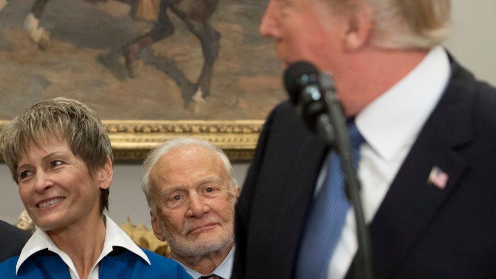 Aldrin (centro) en un evento en la Casa Blanca el año pasado.