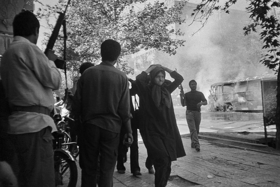 Members of the MEK being rounded up in Tehran in 1982