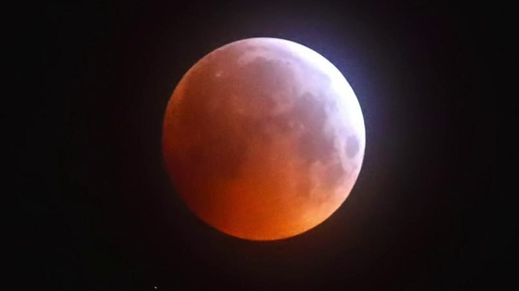 In pictures: NI experiences the super blood wolf moon
