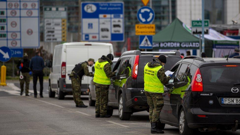 歐盟申根區一些國家重新實施出入境管制措施,波蘭與德國邊境車龍長達75公里。