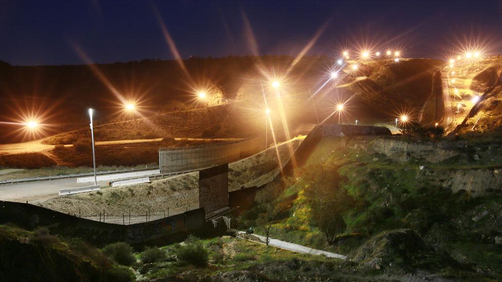 Muro fronterizo entre EE.UU. y México