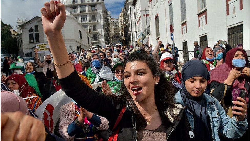 متظاهرات جزائريات يوم 8 مارس 2021