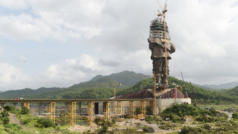A 182m (600ft) high tribute to Sardar Vallabhbhai Patel under construction in Gujarat state.