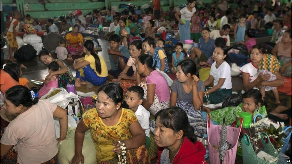 People in a shelter in Bago, Myanmar (3 Aug 2015)