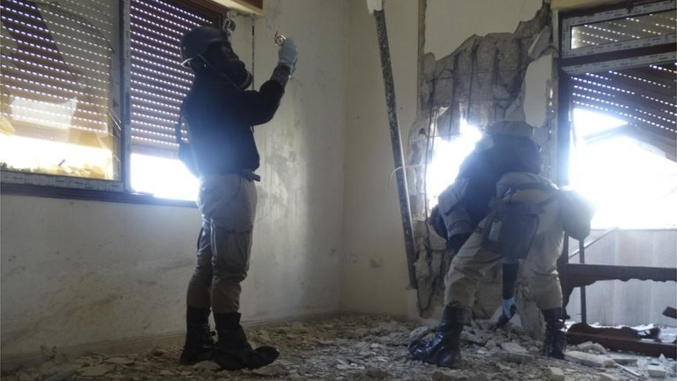 UN chemical weapons experts at site of alleged chemical weapons attack in Damascus suburb of Zamalka