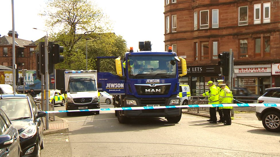 Cyclist dies after lorry crash in Glasgow