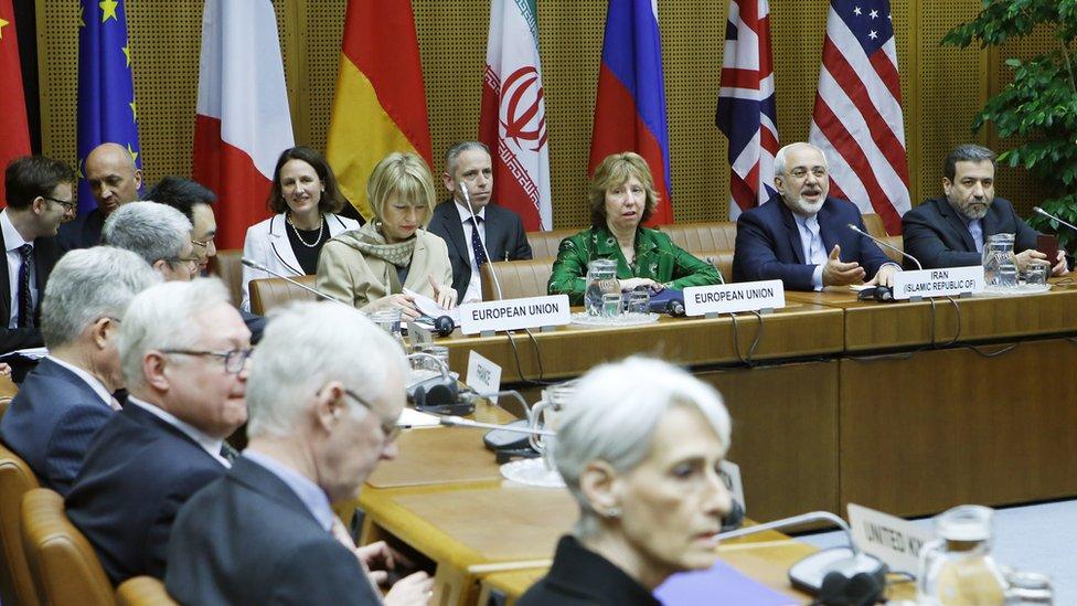 جانب من المحادثات التي أفضت إلى الاتفاق النووي مع إيران والتي جرت في فيينا عام 2014