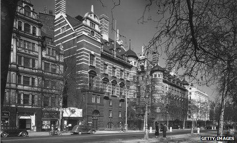 New Scotland Yard on Victoria Embankment, 1947