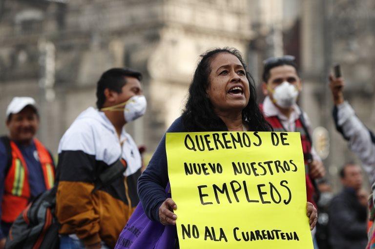 Una protesta frente al Palacio Nacional de México