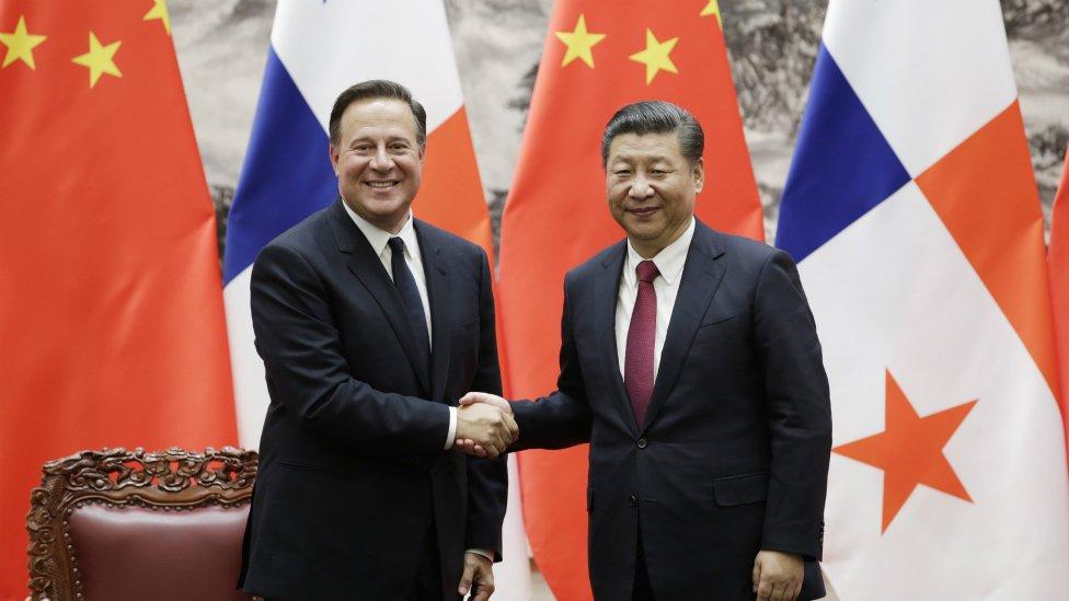 """Varela y Xi iniciaron una """"nueva era"""" en la relación entre ambos países tras la primera visita de Estado del presidente panameño a China en 2017."""