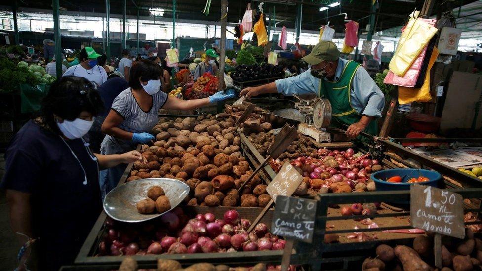Em maio, Vizcarra reconheceu que mercados são uma das principais fontes de contágio