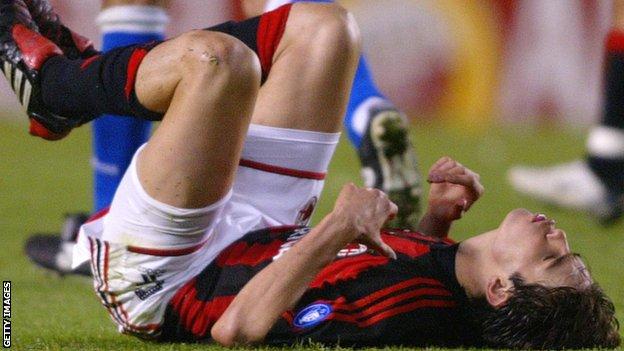 Brazilac Kaka, igrač Milana, na utakmici sa Deportivom