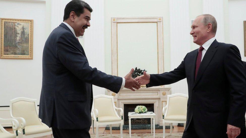 Nicolas Maduro ve Vladimir Putin
