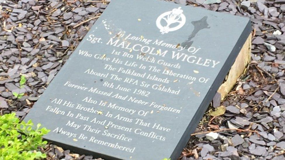 Connah's Quay memorial to Sgt Malcolm Wigley