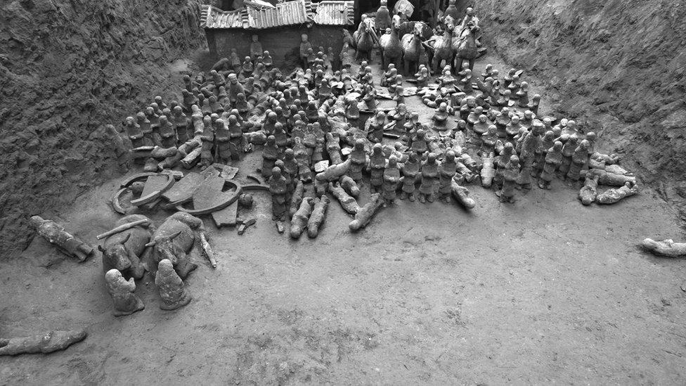 Parte del pequeño ejército de infantería y caballería de barro hallado cerca de Linzi.