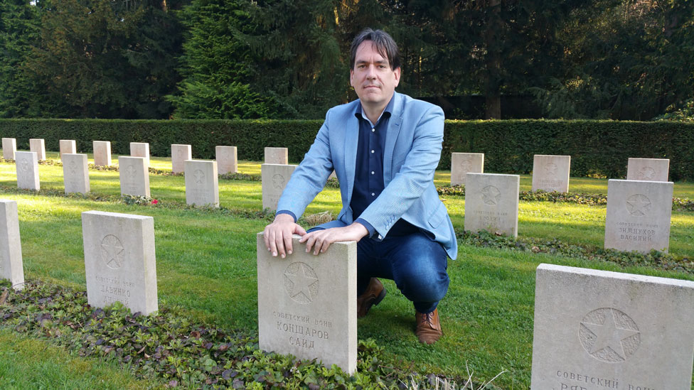 Remco Reiding in the cemetery
