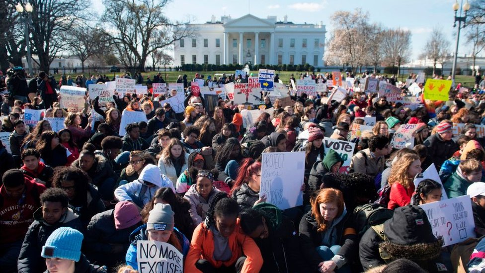 Thousands of students outside the White House