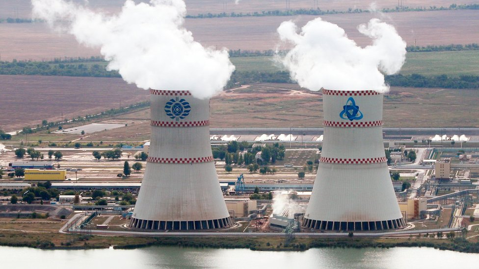 Энергоблок Ростовской АЭС остановлен из-за дефекта трубы. Радиационной угрозы нет